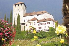 Das Schloss Lebenberg am Marlinger Waalweg - Urlaub in Tscherms
